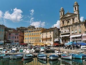 Korsika Maija brīvdienās