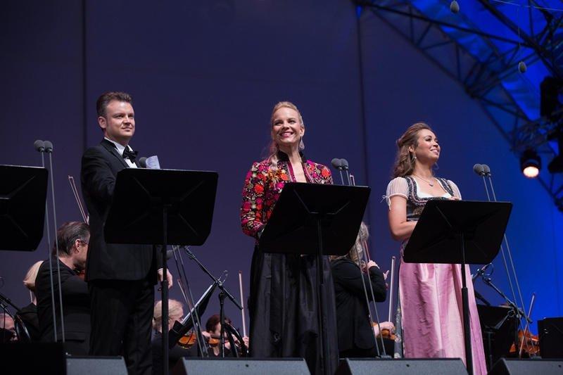 Internetā portālā www.aprinkis.lv raksts par lielisko braucienu uz Elīnas Garančas koncertu Austrijā