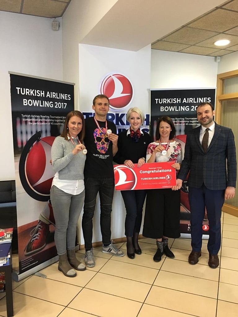 """Mēness dienas """"boulinga komanda"""" uzvar Turkish Airlines rīkotajā turnīrā"""